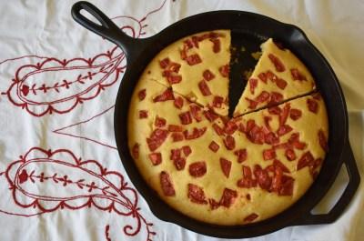skillet tomato cornbread