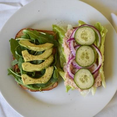 white bean veggie sandwich