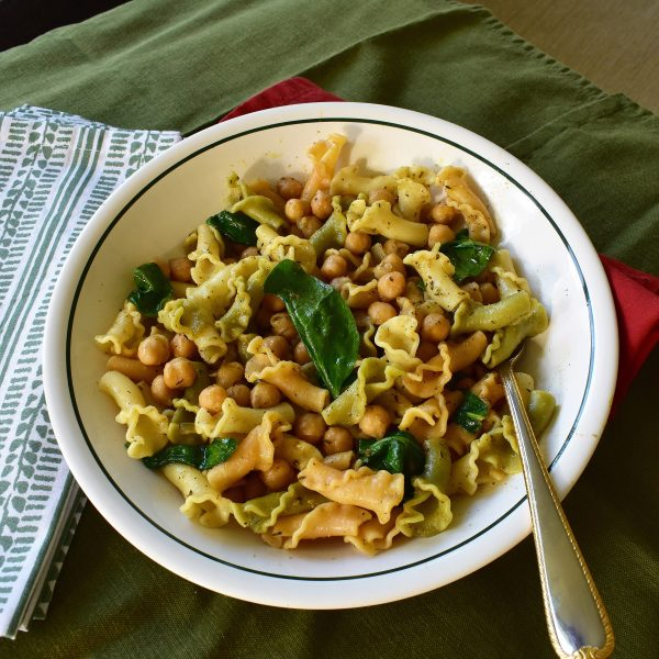 chickpea spinach gigle pasta
