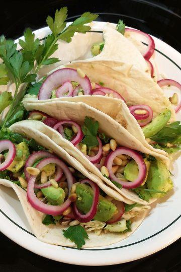 delicioso fresh veggie tacos