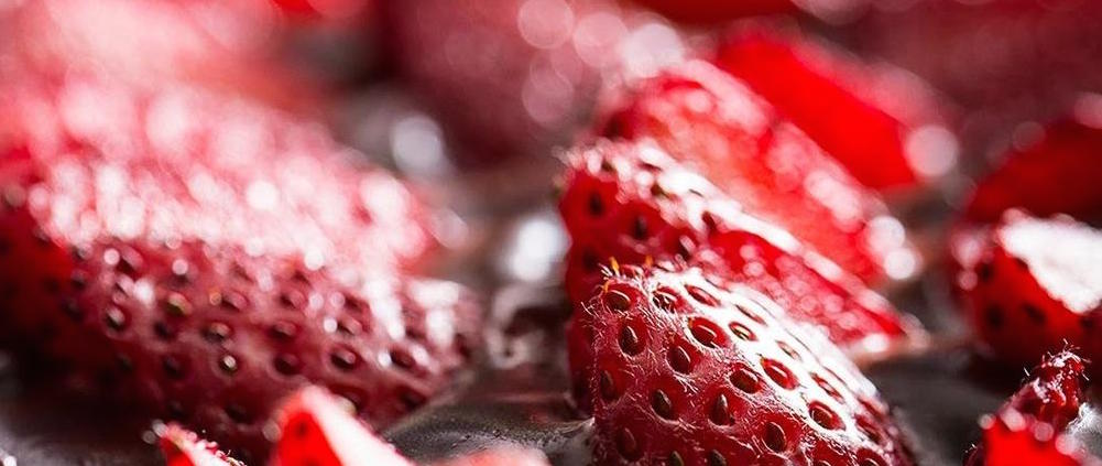 Feature-No-Bake-Strawberry-Tart-Oreo-Crust-Dessert-Recipe