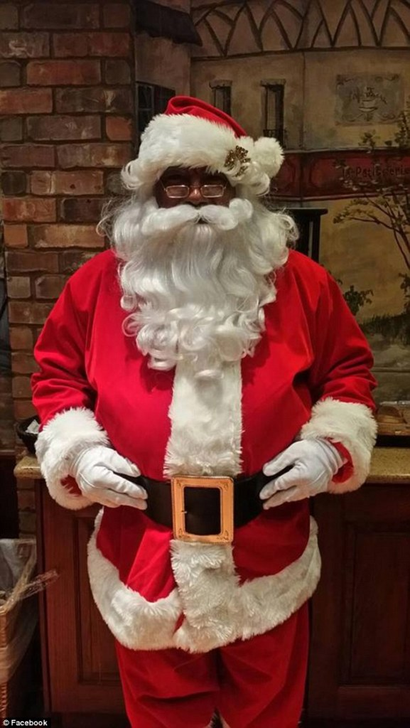 Here Is The First Black Santa In Mall Of America History