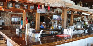#FloridaKeys: Top 9 waterfront restaurants (because 10 seemed too ambitious) - A kitchen with a table in a restaurant - Bar