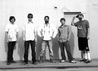 #Music: The Heavy Pets, the perfect jam band, returns to Green Parrot - A group of people posing for the camera - Jamie Newitt