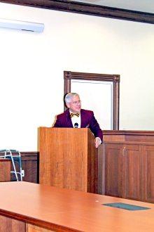 President of Florida Statue University Alumni Association Scott Atwell shares stories about Koenig.