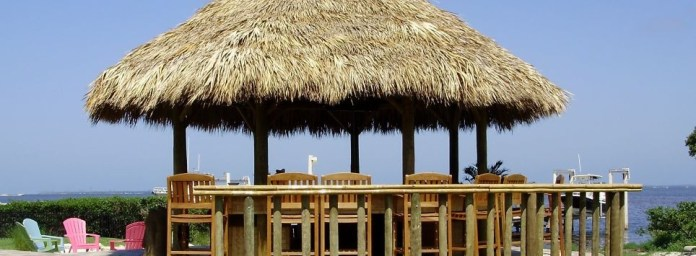 City addresses rash of unpermitted tiki huts - The roof of a building - Thatching
