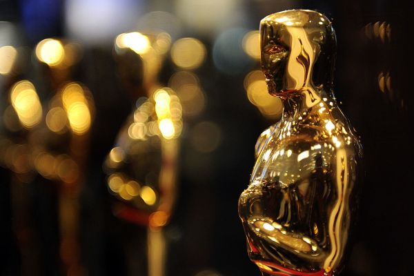 Top Ten Oscar 2019 Takeaways (about the host…) - A close up of a glass - 91st Academy Awards