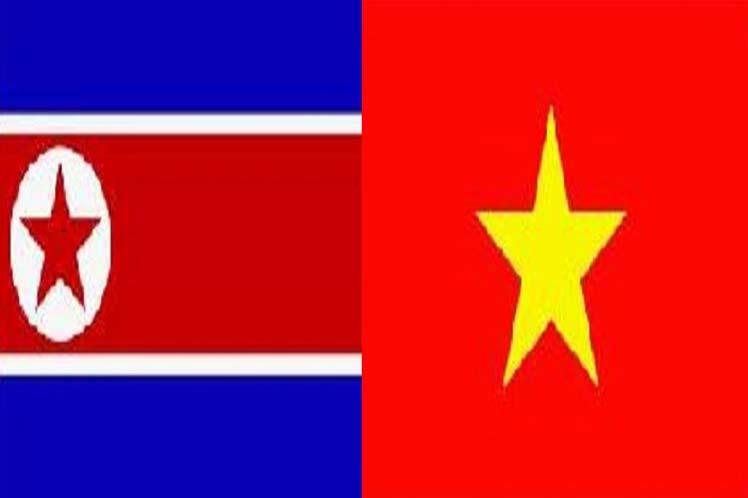 Felicitacion a la república socialista de Vietnam