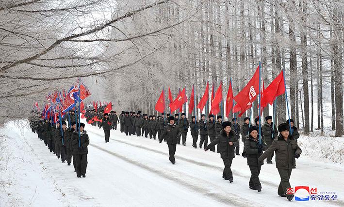 Caravana de jóvenes llega a Taehongdan.