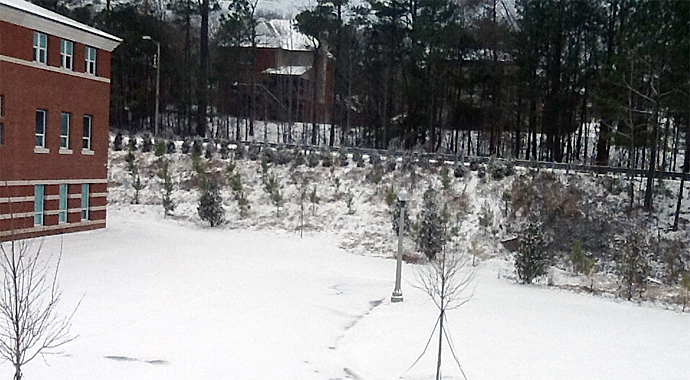 Over 1000 of the students at Hoover High School were trapped inside by heavy snowfall on January 28, 2014. (Credit: Christopher Brady/iReport)