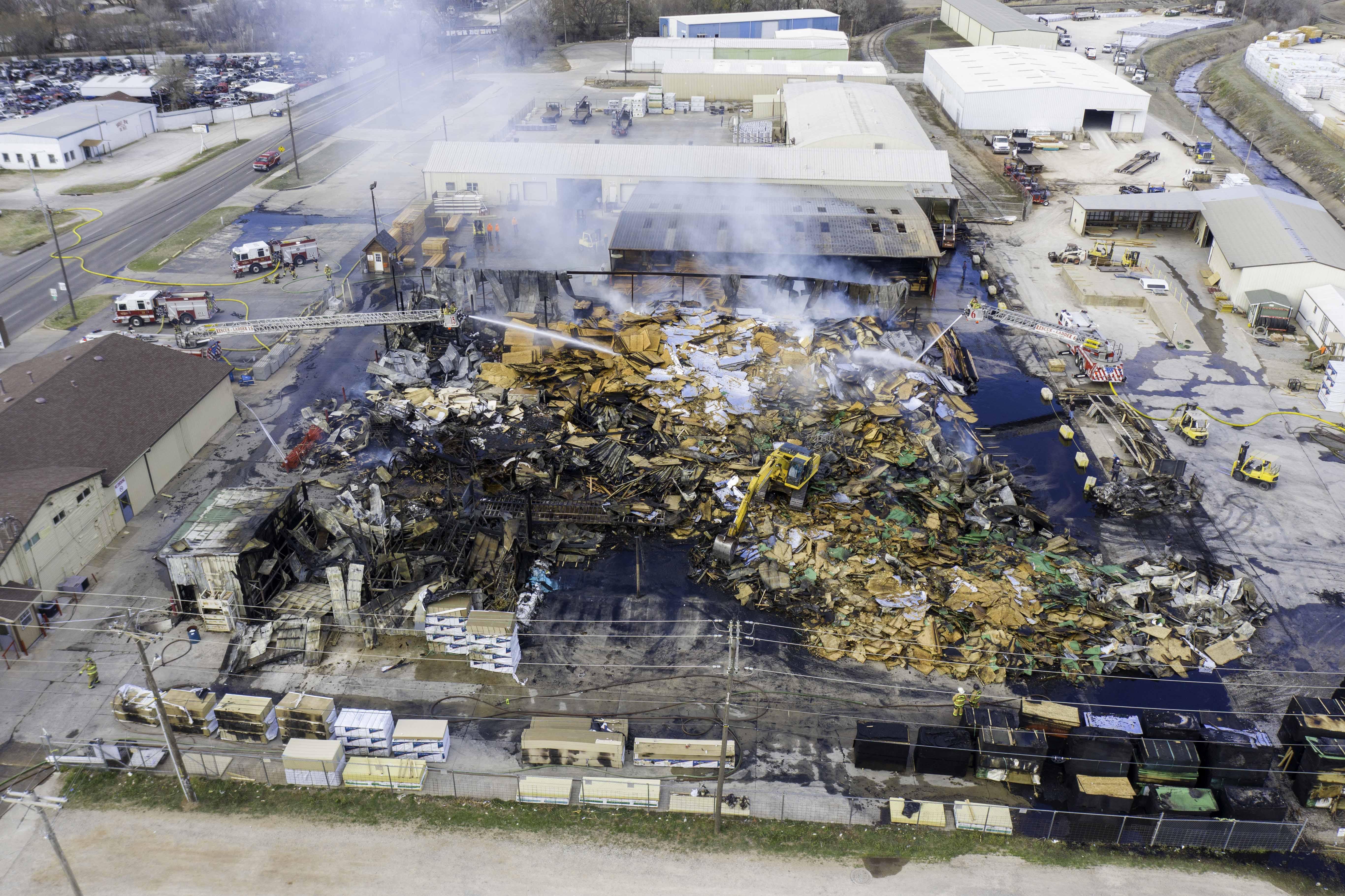 Okc Firefighters Battle Barn Fires At Fox Building Supply Kfor Com Oklahoma City