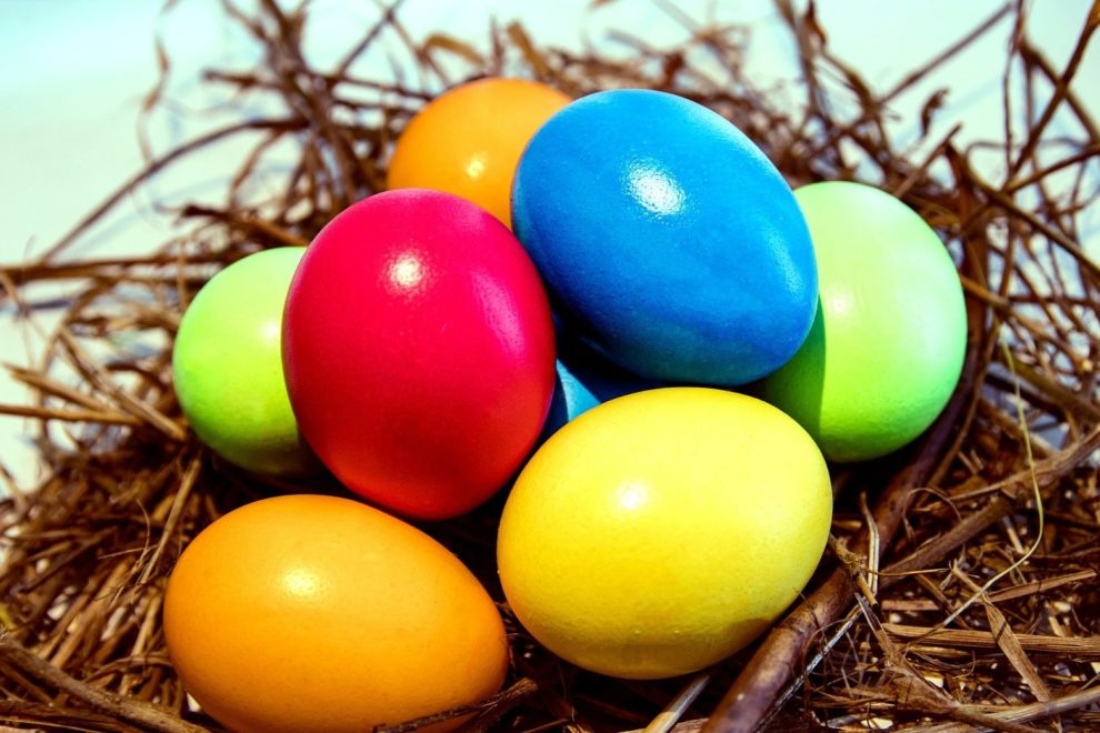 91.3 KGLY East Texas Christian Radio Coloring Easter Eggs Heard On Air Blog Featured Image
