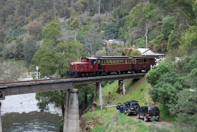 Tourist train departing Thomson station