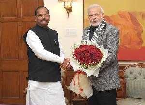 झारखंड के मुख्यमंत्री रघुबर दास नई दिल्ली में प्रधानमंत्री नरेन्द्र मोदी से भेंट करे अइलन.