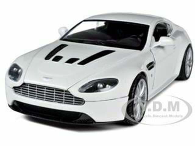 Aston Martin V12 Vantage Pearl White 1-24 Diecast Car Model by Motormax