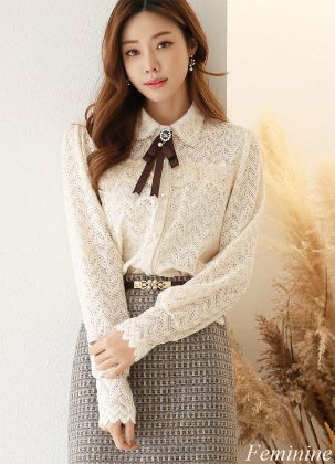 Romantic Lace and Ribbon Brooch Set Blouse
