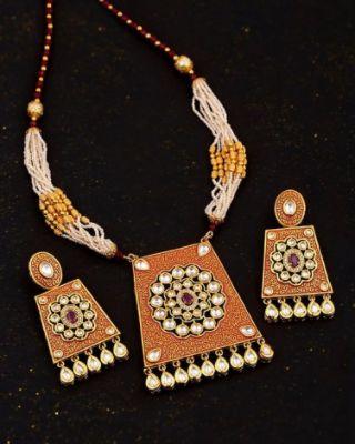 Kundan Stanza Heavily Embellished Necklace Set