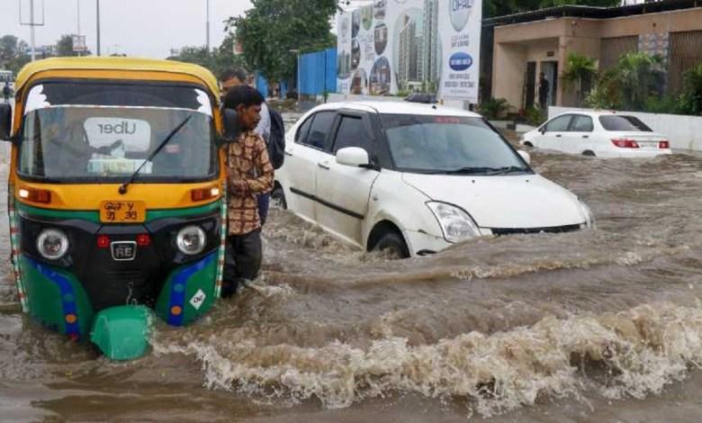 Heavy rain in Gujarat, govt issues red alert