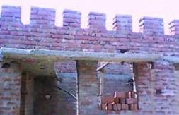 दूसर क़िस्त के इंतज़ार मा नहीं पर पाई छत