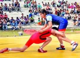 13-11-14 Mano - Women wrestling