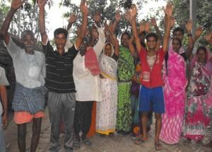 15-07-15 Katehri - Pratappur Chaumurkha - Angry Farmers web