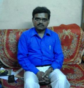 किताब लेखक आर. डी. आनन्द