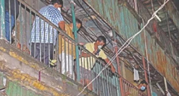 India, man, children, balcony, police