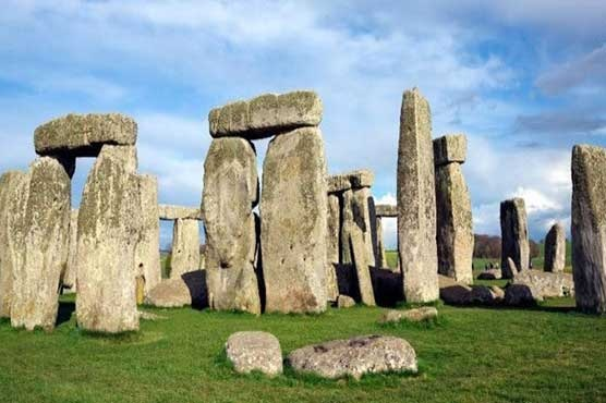 Stonehenge megaliths, scientists