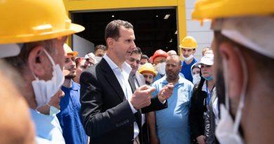 الرئيس الأسد يزور مدينة حسياء الصناعية