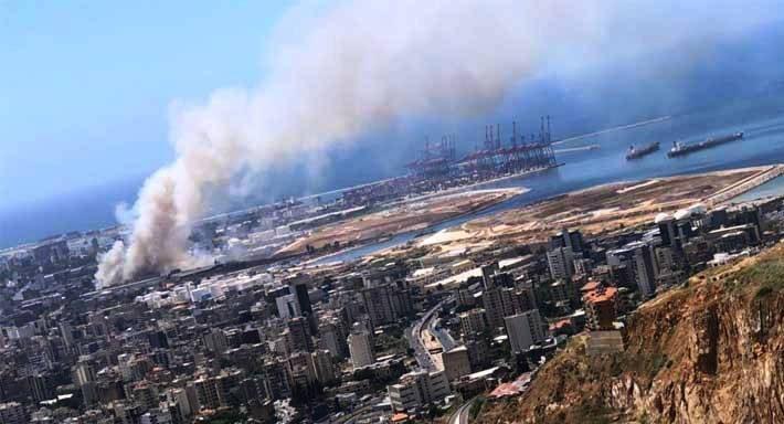 حريق في مرفأ بيروت وتصاعد للدخان .. بدون إصابات