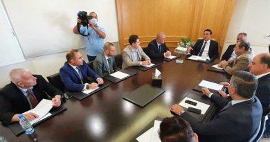 وفد روسي في لبنان لتقديم مشاريع استثمارية للنفط والمرفأ والكهرباء