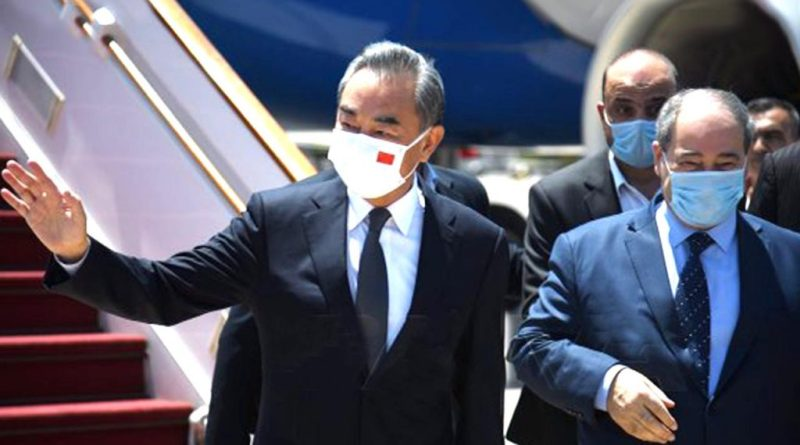 وزير الخارجية الصيني وانغ يي يصل إلى العاصمة السورية دمشق