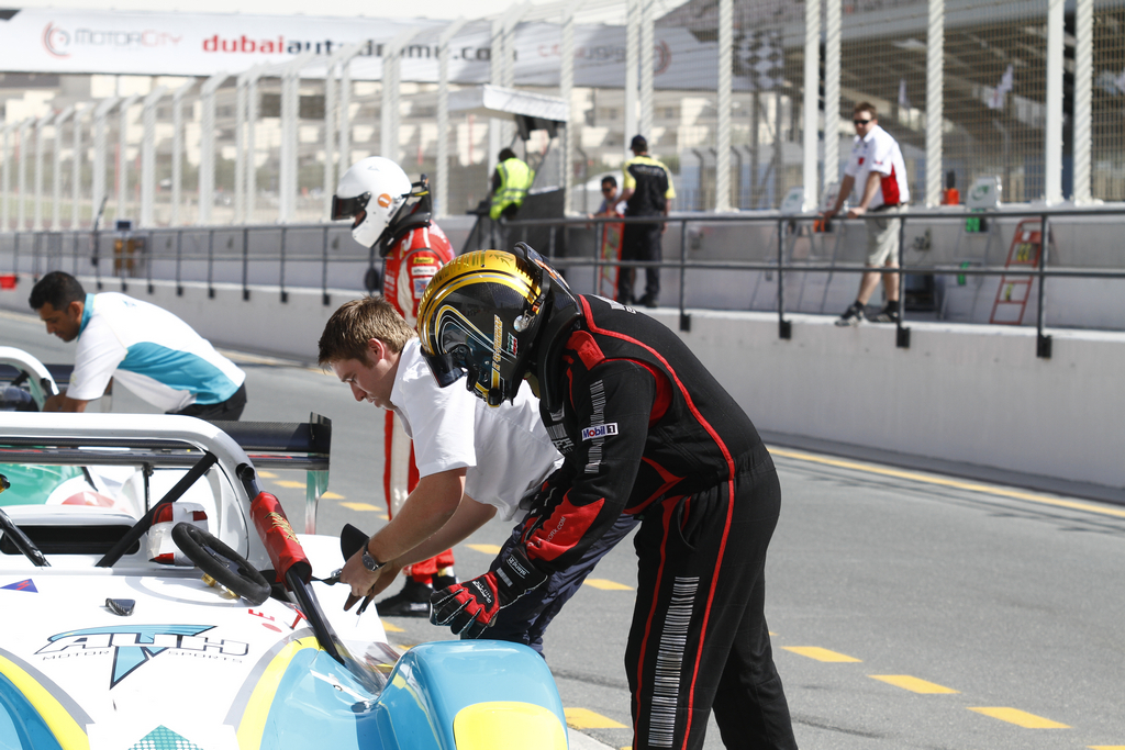 Radical SR3 UAE -2010-11-12-2