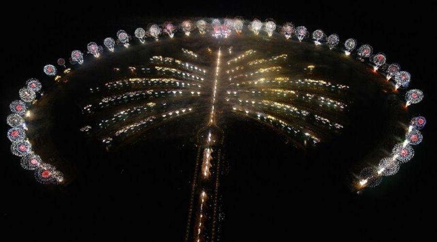 palm jumeirah fireworks 2020