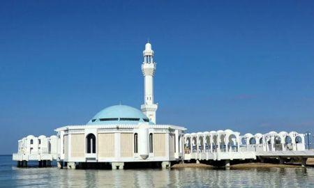Saudi Arabia suspends mosque prayers to contain Coronavirus