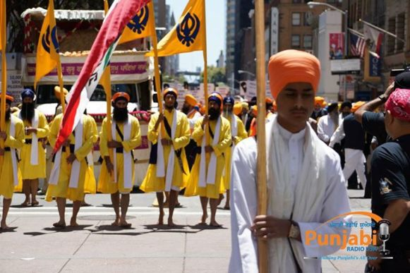 Pictures & Videos London - Thousands of Sikhs march to remember Amritsar temple attack (23)