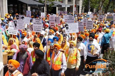 Pictures & Videos London - Thousands of Sikhs march to remember Amritsar temple attack (25)