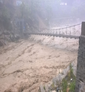 TERRIFYING PICTURES FROM SRI HEMKUND SAHIB YATRA AFTER RAINS CAUSE HAVOC 3