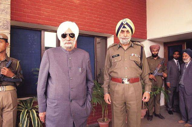 This early 1990s photo shows the-then Punjab CM Beant Singh (left) with Punjab DGP KPS Gill.