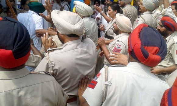 Police Desists Sikhs Holding March Planned from Ajnala to Akal Takht in Support of Bapu Surat Singh Khalsa 8