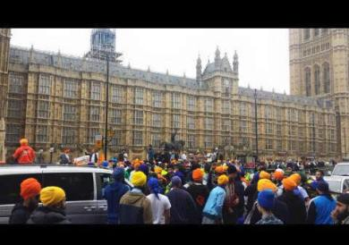 Sikhs locked off London outside parliament 13
