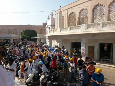 Pics from todays protest at Akaal Takhat Sahib from Dal Khalsa Panch Pardhani against the pardon given to sauda sadh (4)