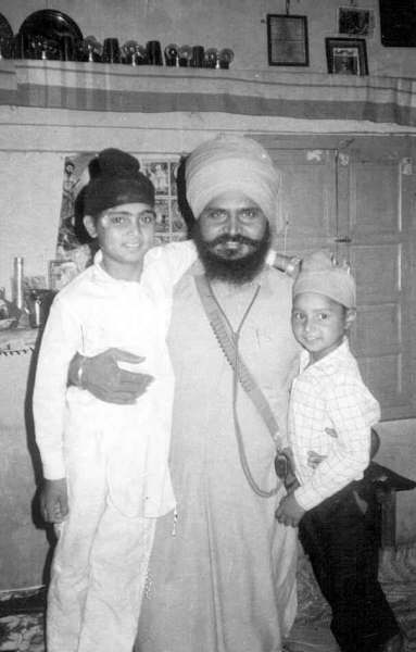Gurbachan Singh Manochal with son