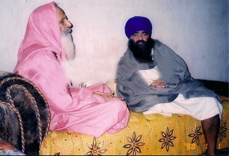 VHP and RSS senior leader, Swami Parmanand Giri, and Baba Harnam Singh Dhumma
