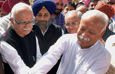 Sukhbir Badal with RSS chief Mohan Bhagwat and L.K.Advani