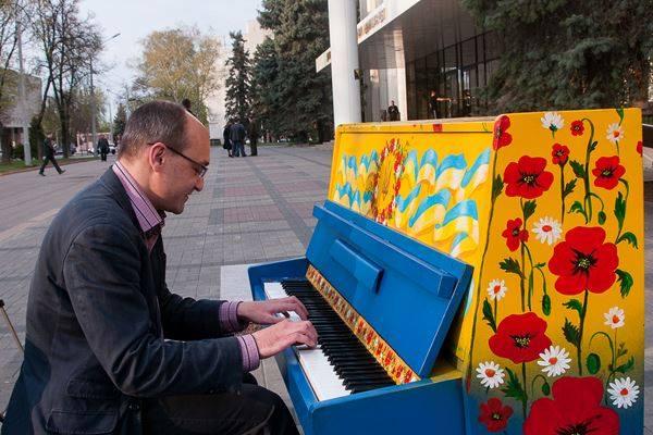 khazan_oda_piano