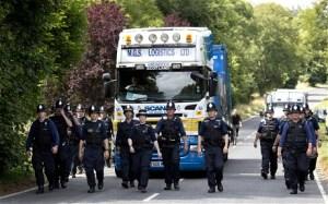 police-fracking_2628727c