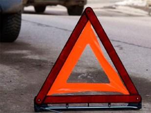 Микроавтобус с курортниками врезался в дорожную технику на Херсонщине