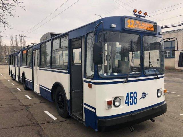 """На дороги Херсона выйдет обновленный троллейбус -""""гармошка"""""""