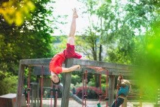 Modern-Creative-Selfie-Ballet-Dancer-Masters-Technics-of-Taking-Self-Portraits11__880